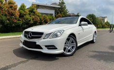 Dijual cepat Mercedes-Benz E-Class E250 AVG Coupe AT di Bekasi