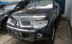 Dijual cepat  Mitsubishi Pajero Sport Dakar AT 2012 di Bekasi