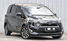 Dijual cepat Toyota Sienta V 2017 Terbaik di DKI Jakarta