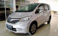 Dijual mobil Honda Freed PSD AT 2012 Harga murah di Bekasi