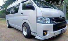Jual Mobil Bekas Toyota Hiace High Grade Commuter 2019 di Bekasi