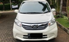 Dijual mobil Honda Freed SD 2013 Terbaik di DKI Jakarta