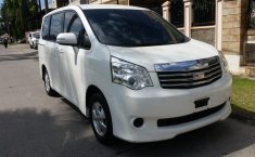 Dijual cepat Toyota NAV1 G Luxury 2.0 VVTi AT 2016 Facelif, Tangerang