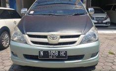 Dijual mobil bekas Toyota Kijang Innova E 2.0 , Jawa Timur