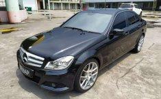 Jual mobil bekas murah Mercedes-Benz C-Class C200 2012 di Banten