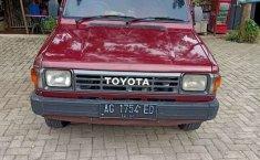 Mobil Toyota Kijang 1988 1.5 Manual terbaik di Jawa Timur