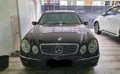 Mobil Mercedes-Benz E-Class 2004 E 240 terbaik di Jawa Barat