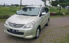 Dijual mobil bekas Toyota Kijang Innova E, Jawa Timur