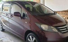 Jawa Timur, Honda Freed PSD 2009 kondisi terawat