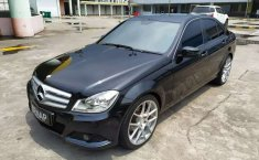 Jual mobil Mercedes-Benz C-Class C200 2012 bekas, Jawa Barat