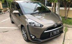Jual Toyota Sienta V 2017 harga murah di Jawa Timur