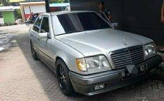 DKI Jakarta, jual mobil Mercedes-Benz E-Class E 320 1995 dengan harga terjangkau