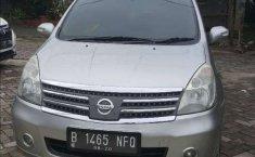 Mobil Nissan Grand Livina 2010 Ultimate dijual, Banten