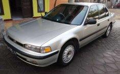 Mobil Honda Accord 1990 terbaik di Jawa Timur