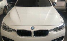 Dijual Cepat BMW 3 Series 320i 2017 Istimewa di DKI Jakarta