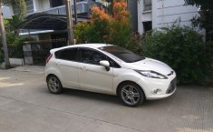 2012 Ford Fiesta S-AT Sport Matic 1.6L Hatchback Putih