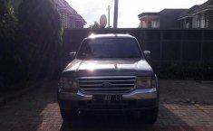 Dijual Cepat Ford Everest XLT 2005 di Jawa Timur