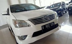 Dijual mobil Toyota Kijang Innova V Luxury 2012, Bekasi