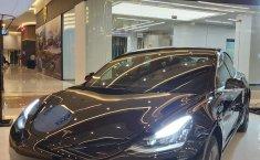 Brand New Tesla Model 3 Standard Range Plus 2020 Black on Black, DKI Jakarta
