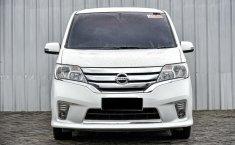 Jual Mobil Nissan Serena Highway Star 2015 di Depok