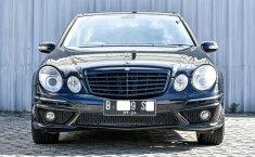Dijual Cepat Mercedes-Benz E-Class E 240 2004 di Depok