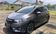 Mobil Honda Jazz 2016 RS terbaik di Jawa Timur