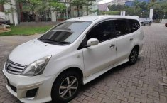 Mobil Nissan Grand Livina 2012 Highway Star terbaik di Jawa Barat