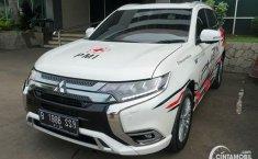Mitsubishi Outlander PHEV Dipakai untuk Menyemprot Disinfektan