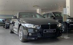 Promo BMW 330i Sport Shadow (F30) NIK 2019, DKI Jakarta
