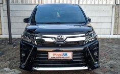 Dijual cepat mobil Toyota Voxy 2017, Depok