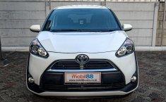 Jual mobil bekas Toyota Sienta V 2017, Depok
