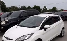 Dijual mobil bekas Ford Fiesta Trend, Riau