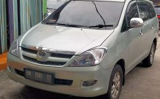 Riau, Toyota Kijang Innova E 2007 kondisi terawat