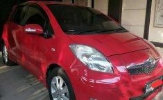 Mobil Toyota Yaris 2011 E terbaik di Jawa Timur