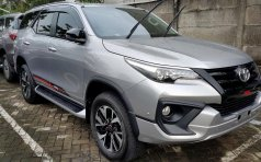 Jual mobil Toyota Fortuner SRZ AT Tahun 2017 Automatic