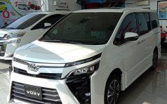 Jual Mobil Toyota Voxy 2018