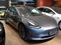 Dijual Tesla Model 3 Standard Range Plus Silver on Black 2020, DKI Jakarta