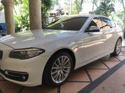 Jual mobil BMW 5 Series 528i Luxury Lci Facelift F10 2015, Jawa Timur