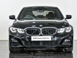 Jual Mobil Bekas BMW 3 Series 330i 2019 di Depok