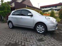 Jawa Timur, Nissan March 1.2L XS 2013 kondisi terawat