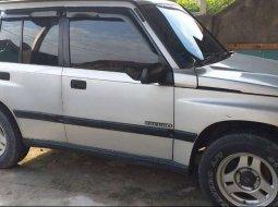 Jual mobil bekas murah Suzuki Escudo JLX 1997 di Riau