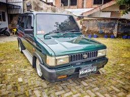 DIY Yogyakarta, Toyota Kijang Grand Extra 1996 kondisi terawat