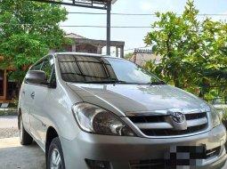Jual cepat Toyota Kijang Innova E 2.0 2005 di Jawa Tengah