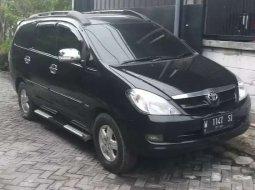 Jawa Timur, Toyota Kijang Innova 2.0 G 2005 kondisi terawat
