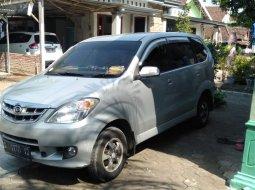 Dijual mobil Daihatsu Xenia Li 2009 VVTi Terawat Istimewa, Jawa Timur