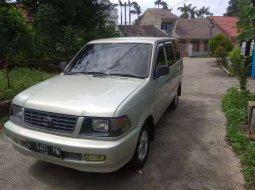 Mobil Toyota Kijang 2000 LX terbaik di Jawa Barat
