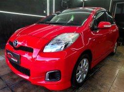 Dijual cepat Toyota Yaris E AT 2012 Merah, DKI Jakarta