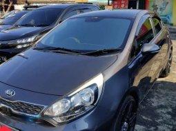 Mobil Kia Rio 2015 terbaik di DKI Jakarta