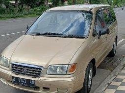 Dijual cepat Hyundai Trajet GLS Manual 2003 di Jawa Timur