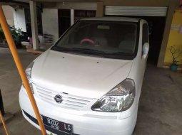 Mobil Nissan Serena 2005 City Touring terbaik di Jawa Tengah